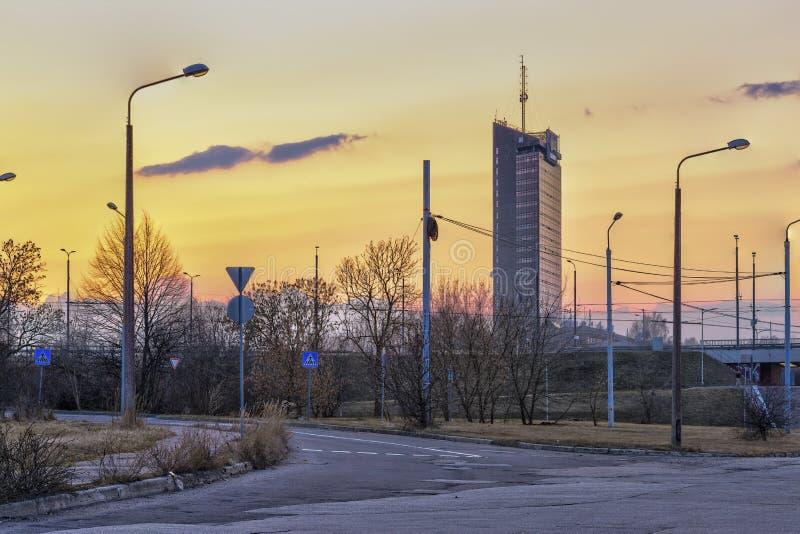 在里加的美好的日落视图 拉脱维亚 图库摄影