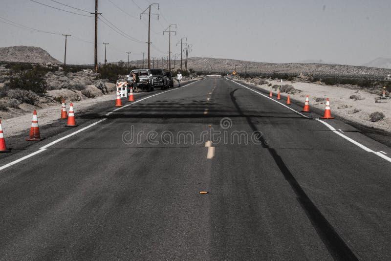 在里奇克莱斯特7以后的破裂的高速公路CA-178 7月1日5日,2019年 库存图片