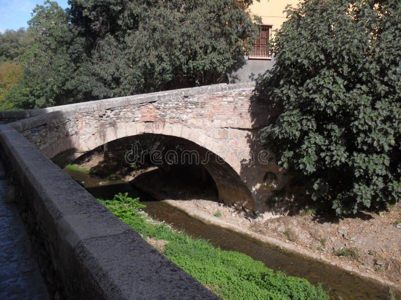 在里约Darro的桥梁在格拉纳达 免版税图库摄影