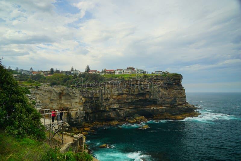 在金刚石海湾的优秀峭壁在悉尼 库存图片