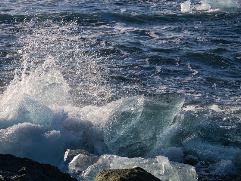 在金刚石海滩海岸的冰川冰  库存照片