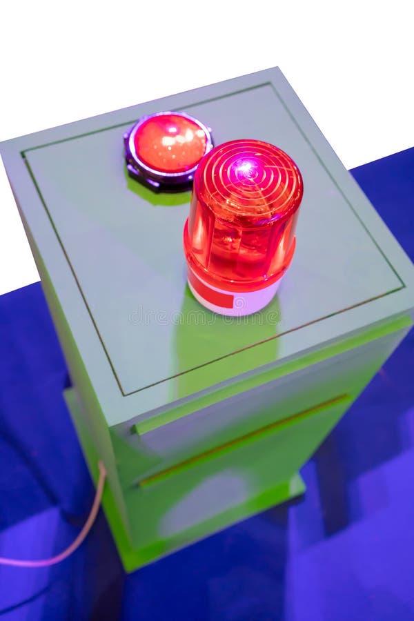 在金属内阁的红色警报器 安全的警告灯 库存照片