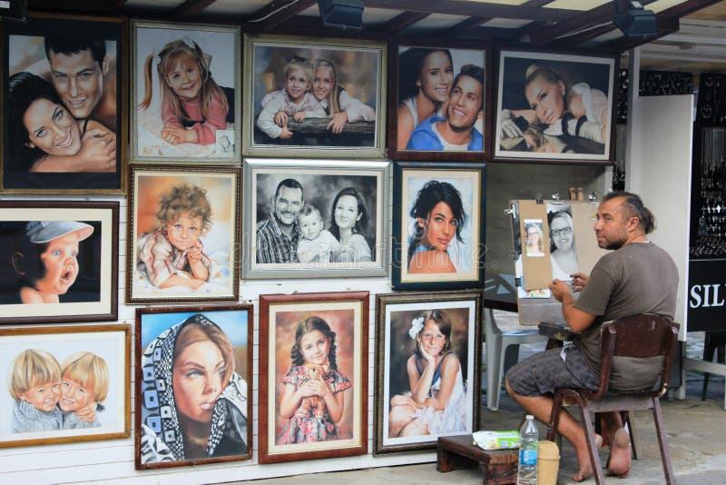 在金黄沙子-画象的街道艺术 库存照片