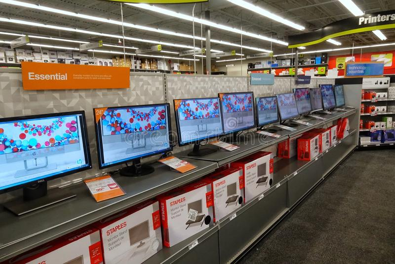 在钉书针商店的计算机显示器 免版税库存图片