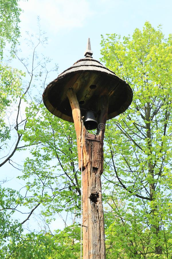 在钟楼的响铃在露天博物馆 免版税库存图片