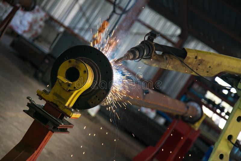 在钢&枢轴制造工业的运转的机器 库存照片