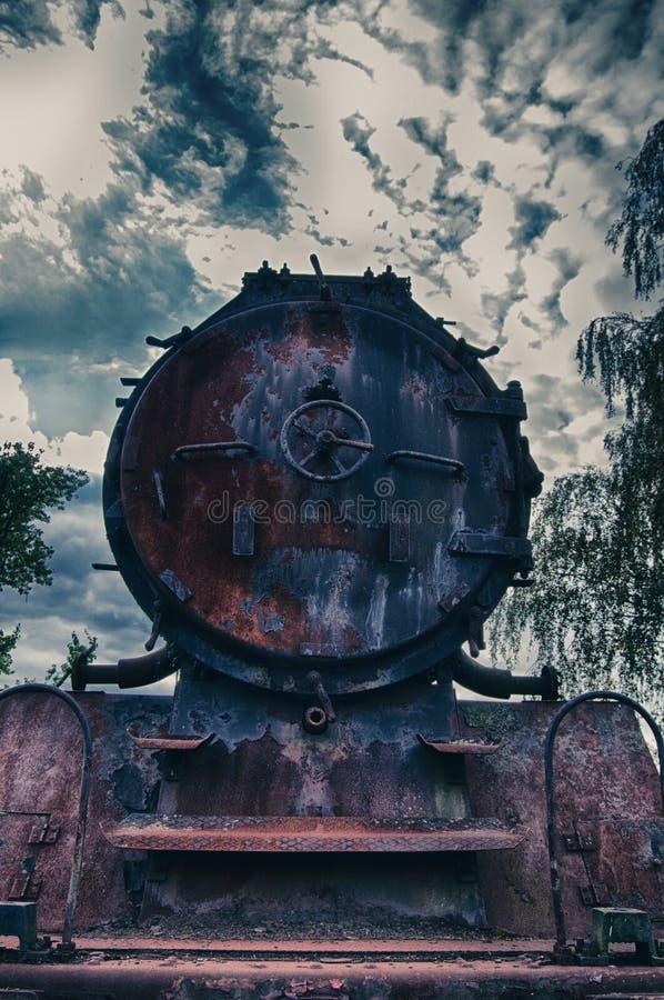 在铁路的蒸汽引擎-正面图 图库摄影