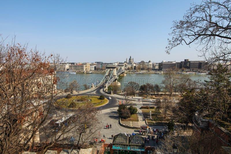 在链brige的看法在布达佩斯 免版税库存图片