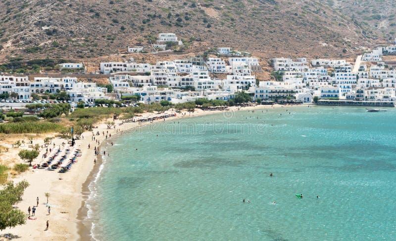 在锡弗诺斯岛海岛,希腊的Kamares海滩 免版税库存图片