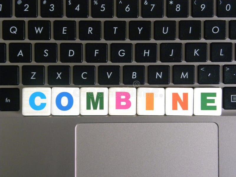 在键盘背景的词组合 库存图片
