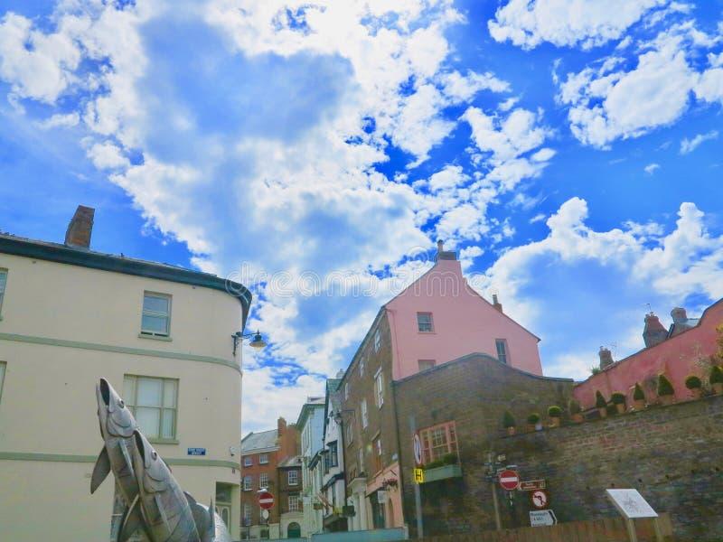 在镇的云彩 免版税库存照片