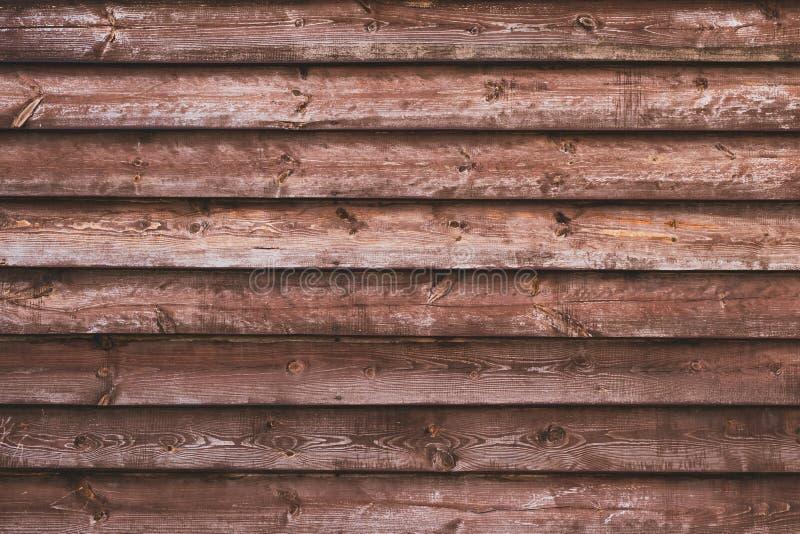 在镶边的水平的布朗木纹理 黑暗的被风化的硬木 减速火箭的粗砺的橡木篱芭 E 葡萄酒tex 图库摄影
