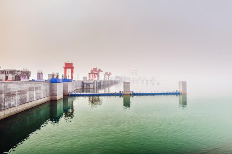 在长江的三峡大坝 免版税库存图片
