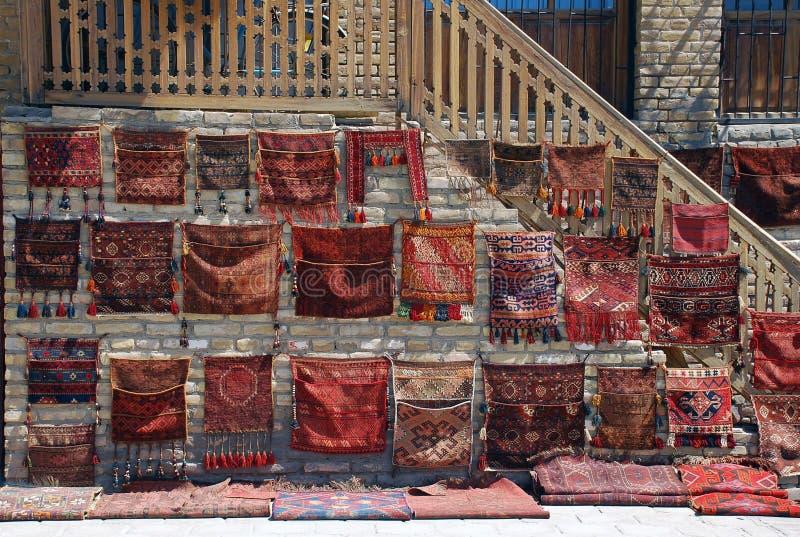 在门廊的贸易的民间袋子在塔什干 免版税库存图片