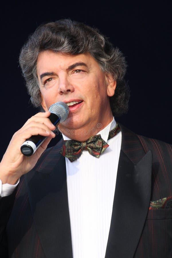 Download 在阶段唱歌的歌剧歌手,演员,流行音乐明星,谢尔盖扎哈罗夫苏联和俄国音乐的神象 编辑类图片 - 图片 包括有 能源, 英俊: 72372610