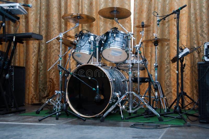 在阶段的鼓成套工具 库存照片