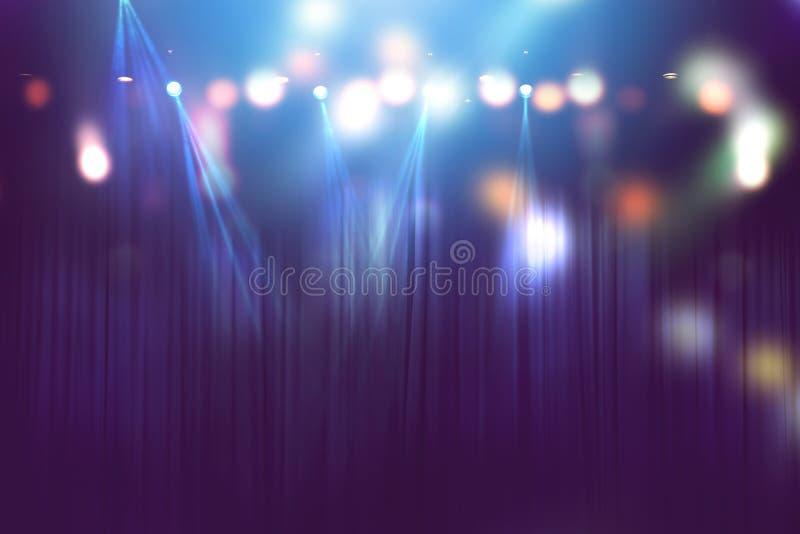 在阶段,音乐会照明设备摘要的被弄脏的光  库存照片