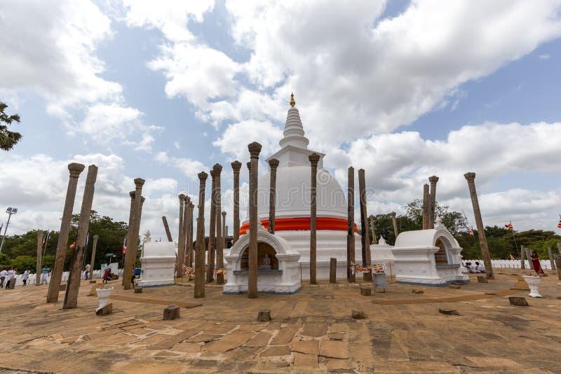在阿努拉德普勒王国,斯里兰卡的Thuparamaya佛教寺庙 免版税库存图片