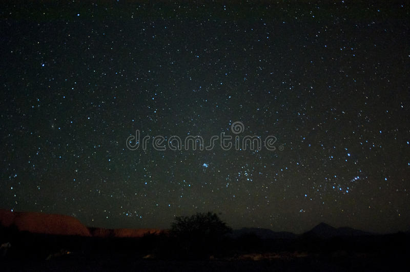 在阿塔卡马沙漠的夜空 库存照片