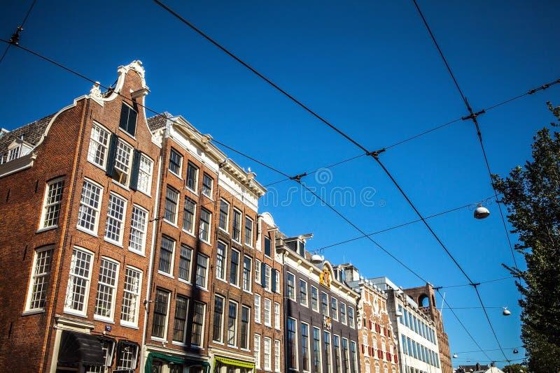 在阿姆斯特丹市传统居民住房的一般风景视图  库存图片