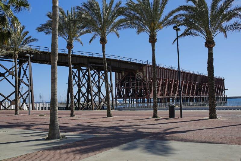 在阿尔梅里雅缚住Ingles-老铁路码头和港口在西班牙 库存图片