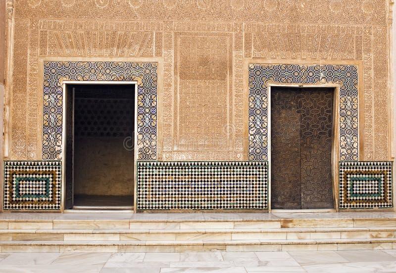 在阿尔汉布拉宫殿的摩尔人门 库存图片