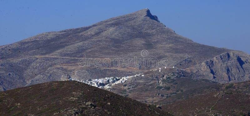 在阿莫尔戈斯岛海岛上的Chora村庄 库存图片
