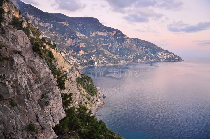 在阿马尔菲海岸,意大利的日落 免版税库存图片