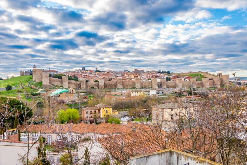 在阿维拉-西班牙的镇墙壁的看法 库存照片