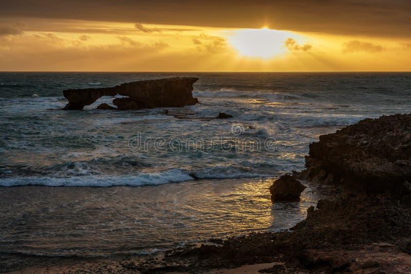 在陆岬的日落在长袍,南澳大利亚 免版税图库摄影