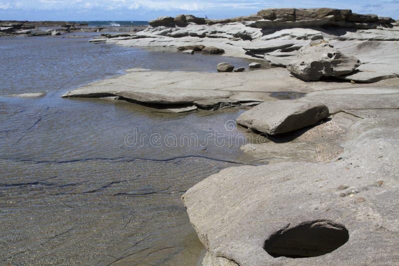 在陆岬, Caloundra的清楚的岩石水池 库存图片