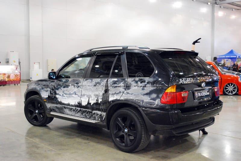 在陈列的BMW X5汽车E53在`番红花商展`, 2012年 莫斯科 免版税库存图片