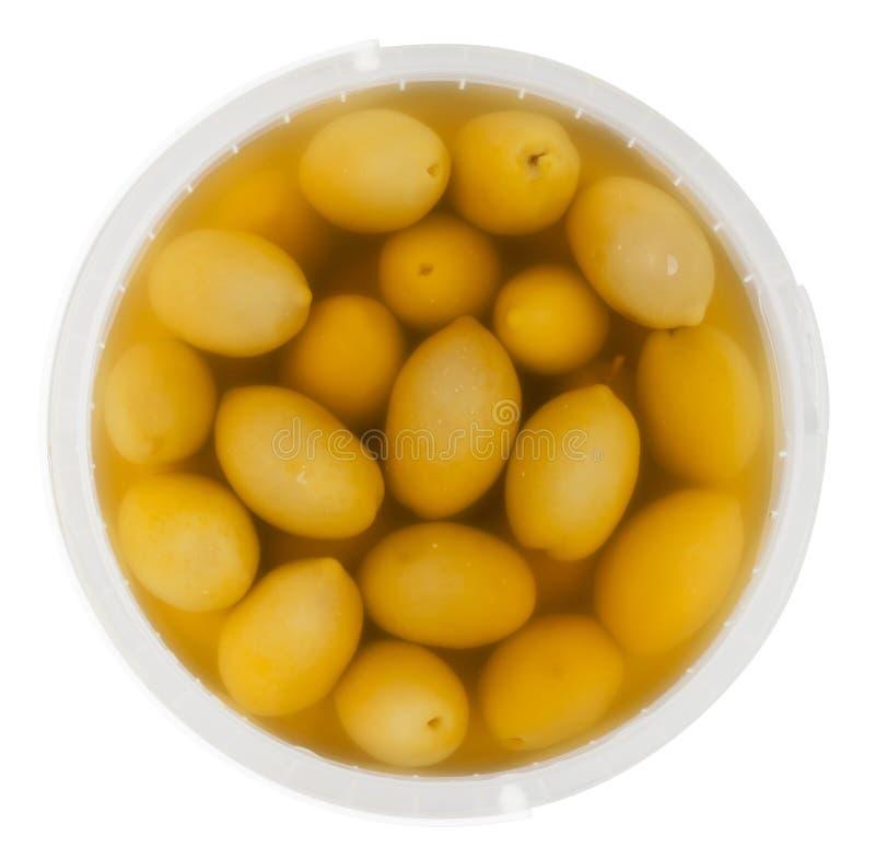 在隔绝上的橄榄色的桶 库存图片