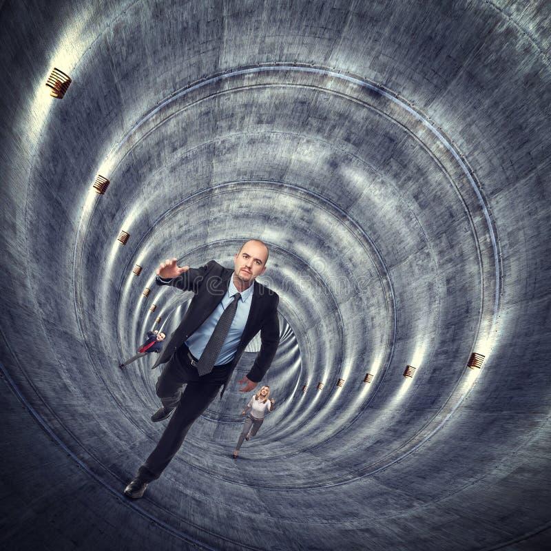 在隧道外面 皇族释放例证