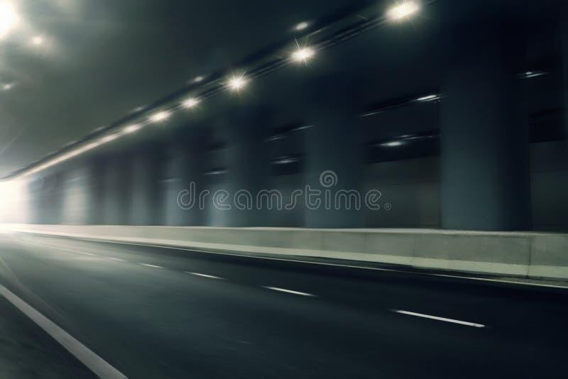 在隧道的未来派行动迷离路 免版税图库摄影