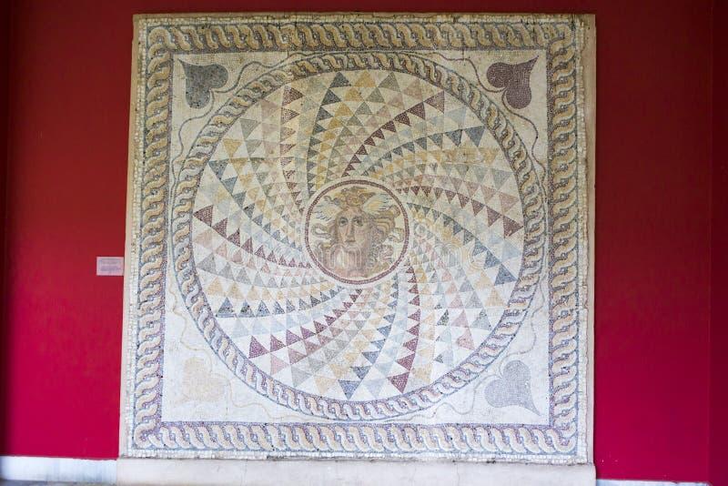 在雅典博物馆暴露的被恢复的马赛克人工制品 免版税库存图片