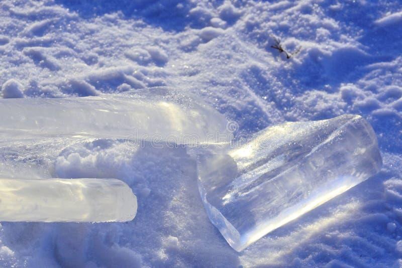在雪的冰 轻的戏剧 免版税库存图片