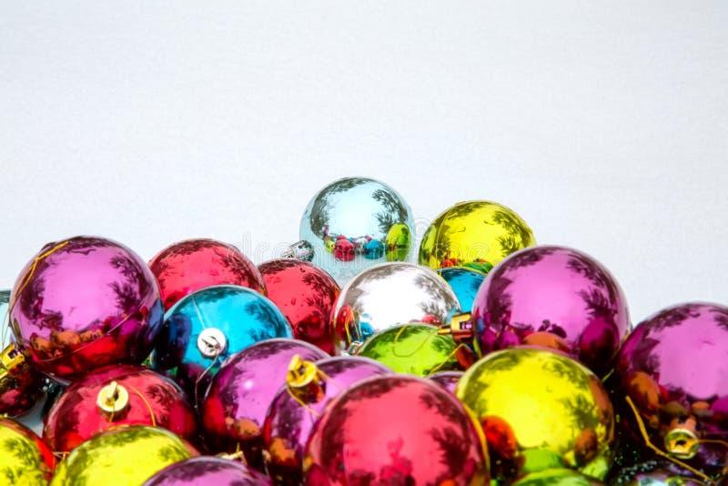 在雪的圣诞节装饰 库存图片