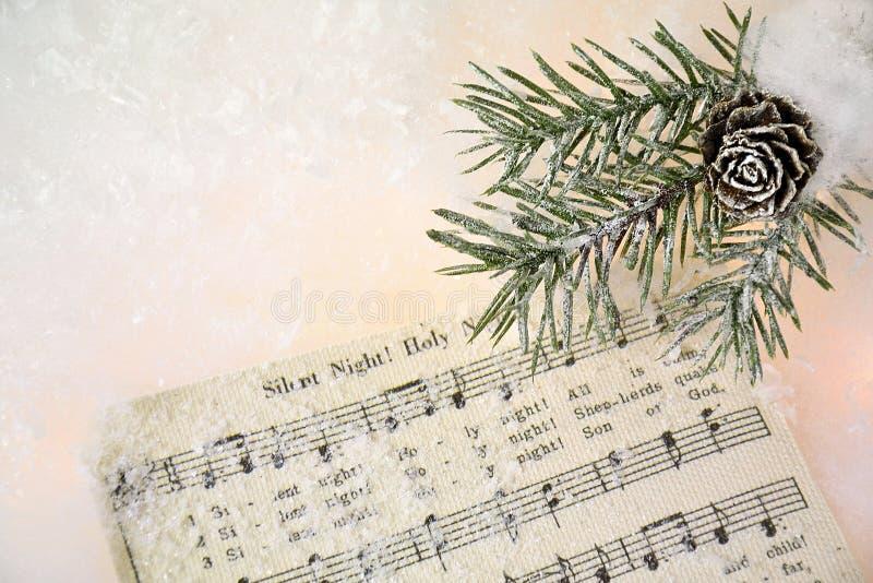 在雪的圣诞节音乐 库存照片
