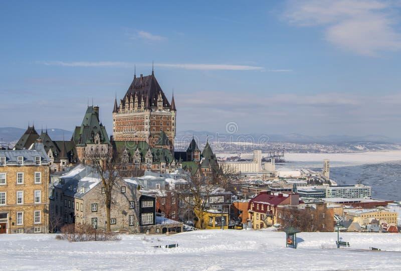 在雪的魁北克市地平线 图库摄影