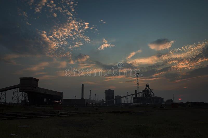 在雷德卡鼓风炉的日落 免版税库存图片