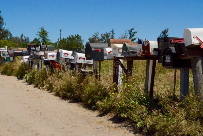 在雷蒙娜,加利福尼亚的邮箱 免版税库存照片