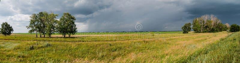 在雷暴之前 库存照片