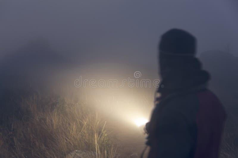 在雾的抽象人画象灯笼 免版税库存图片