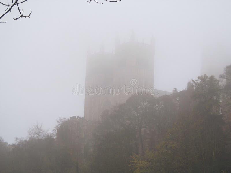 在雾的达翰姆城堡 免版税库存照片