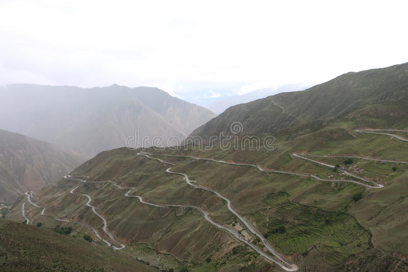 在青海西藏高原的路 库存图片