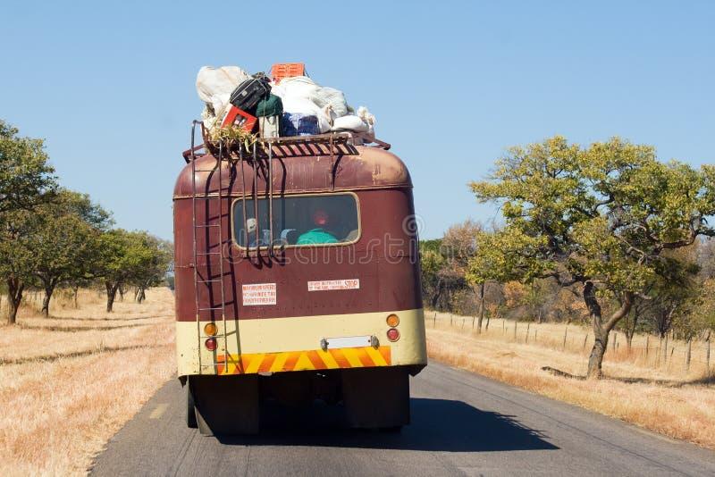在非洲路的公共交通 免版税库存图片