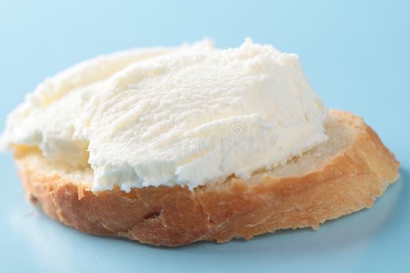 在面包的Kaymak 免版税图库摄影