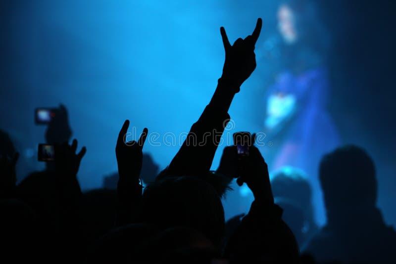 在音乐会展示的手 图库摄影