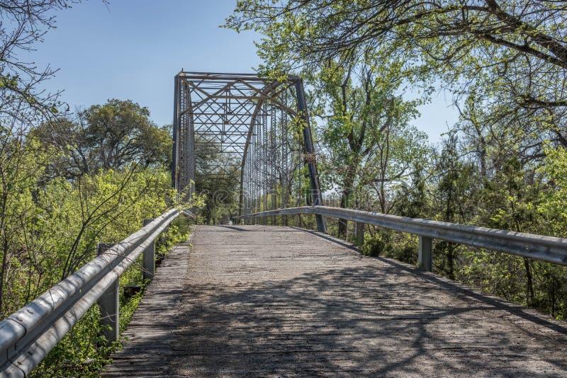 在颜色的老Maxdale桥梁 免版税库存图片